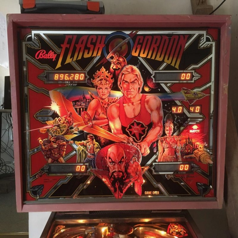 Score of over 800 thousand points on Flash Gordon pinball