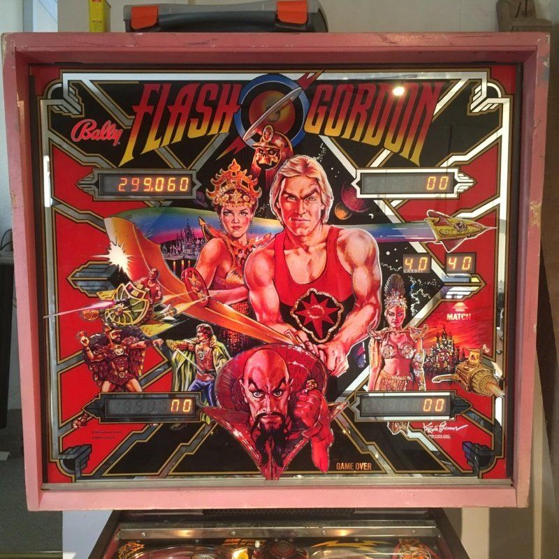 See Flash oppose Ming on Mongo! – Scoreboard of Flash Gordon pinball machine